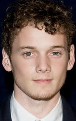 Anton Yelchin - wallpapers.