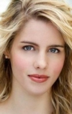 Best Emily Bett Rickards wallpapers