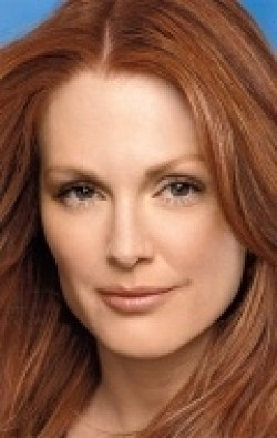Julianne Moore - wallpapers.