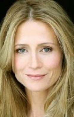 All best and recent Kelly Rowan pictures.