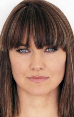 Lucy Lawless - wallpapers.