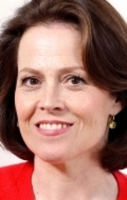 All best and recent Sigourney Weaver pictures.