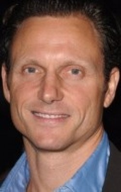All best and recent Tony Goldwyn pictures.