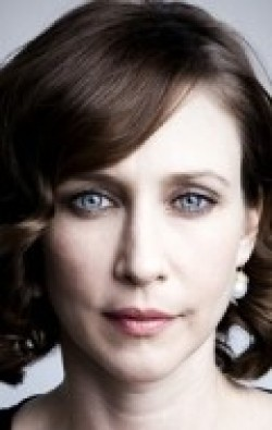 Vera Farmiga - wallpapers.