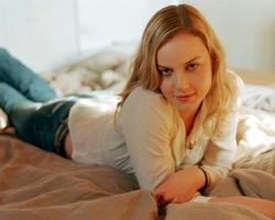 Abbie Cornish picture