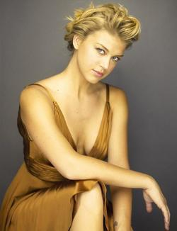 Adrianne Palicki picture