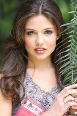 Danielle Campbell picture