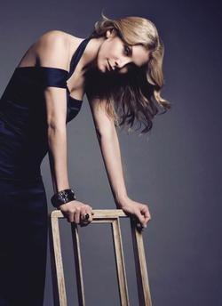 Elizabeth Mitchell picture