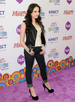 Elizabeth Gillies picture