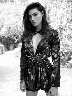 Phoebe Tonkin picture