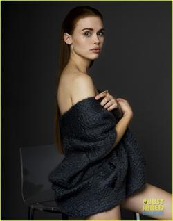 Holland Roden picture