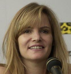 Jennifer Jason Leigh picture