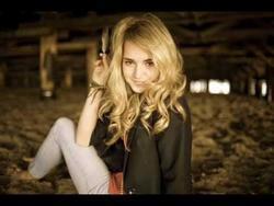 Katelyn Tarver picture