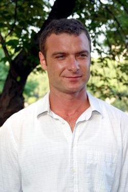 Liev Schreiber picture