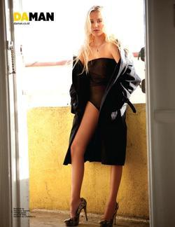 Maika Monroe picture