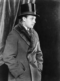 Rudolph Valentino picture