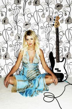 Tara Reid picture