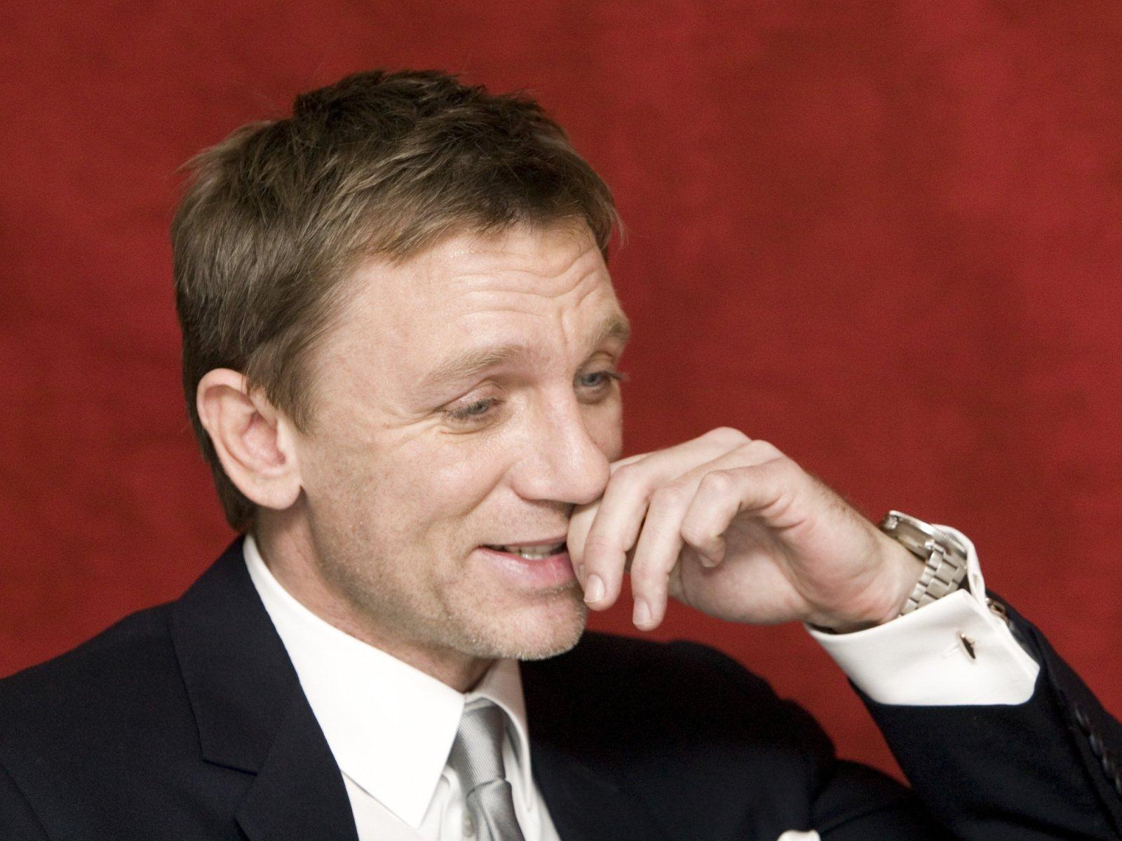 Daniel Craig wallpaper